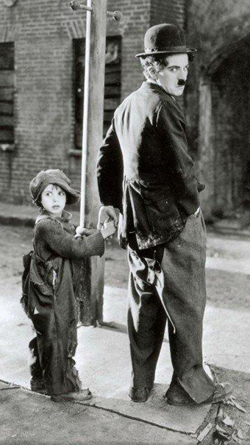 Картинка Чарли Чаплин (Charlie Chaplin) 360x640 для смартфона