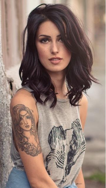 Картинки обнаженные девушки с татуировкой на мобилу фото 491-748